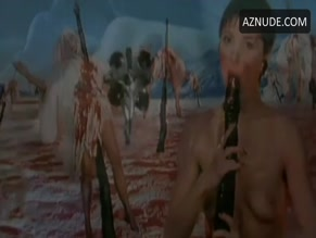 AMANDA DONOHOE in THE LAIR OF THE WHITE WORM(1988)