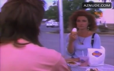ANNIE POTTS in Breaking The Rules