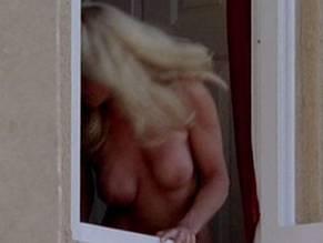 Linda speciale nude