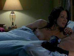 picture-galleries-lynn-collins-true-blood-sex-scene-roberts-hairy-pit