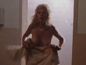 Traci lords not of this earth - 3 4