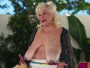 girls huge bobies nude lick