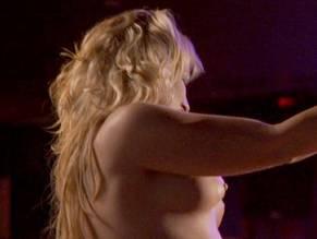 Sara Amundson  nackt