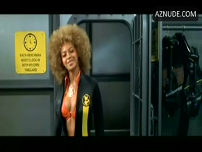 BEYONCE KNOWLES in AUSTIN POWERS IN GOLDMEMBER(2002)