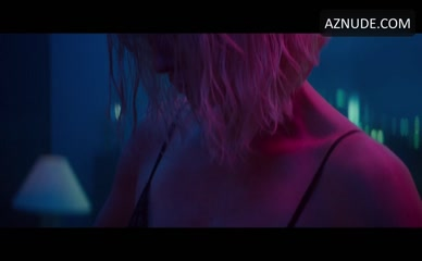 CHARLIZE THERON NUDE/SEXY SCENE IN ATOMIC BLONDE