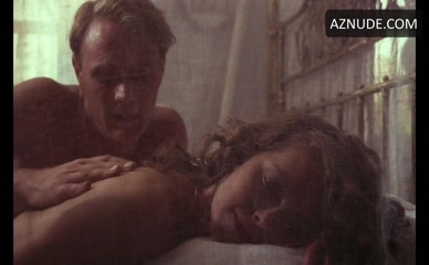 GRETA SCACCHI NUDE/SEXY SCENE IN HEAT AND DUST