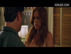 ISLA FISHER in KEEPING UP WITH THE JONESES(2016)