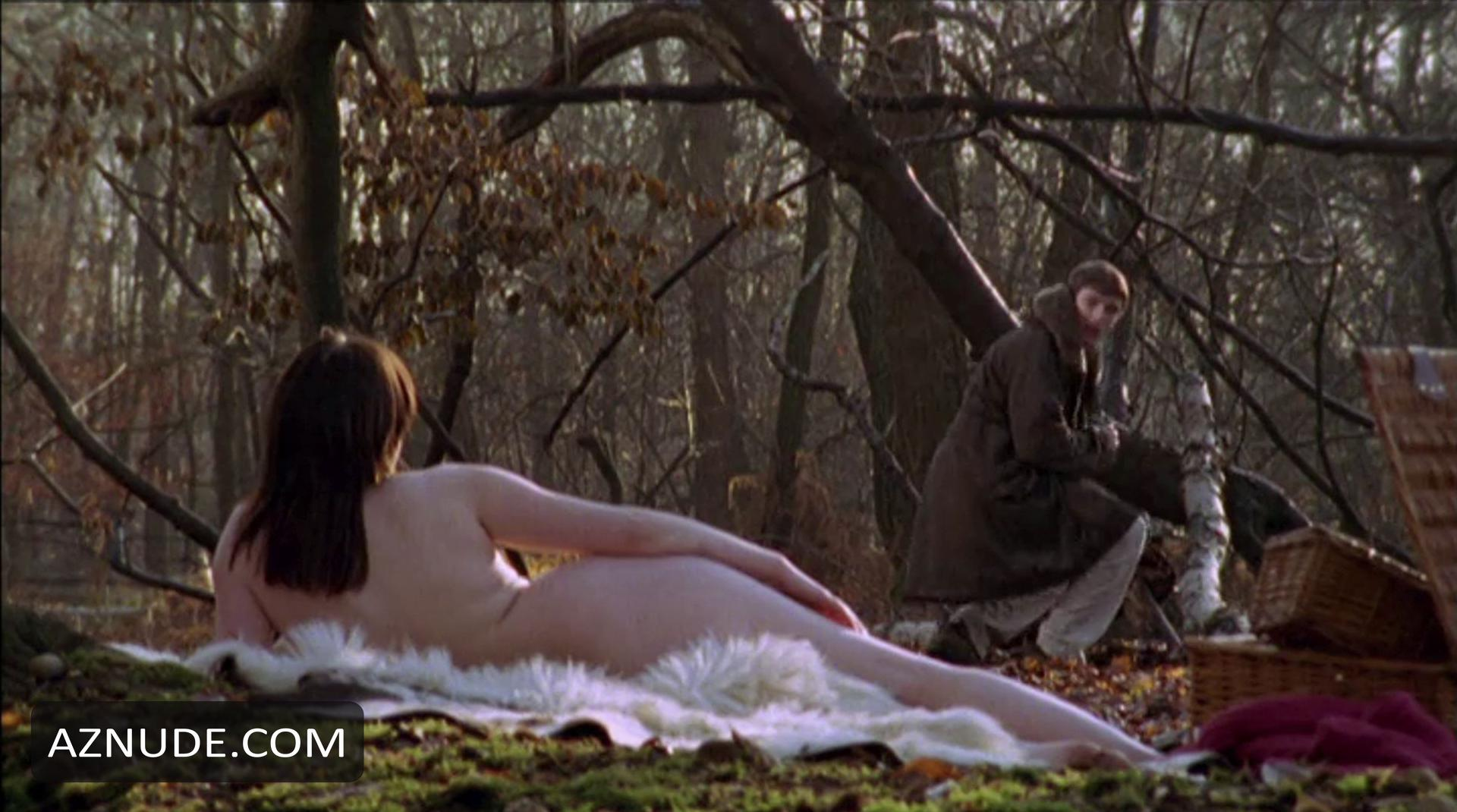 scarlett johansson naked in what movies