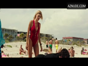 KELLY ROHRBACH in BAYWATCH (2017)