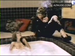 clip scene Lamya nude derval