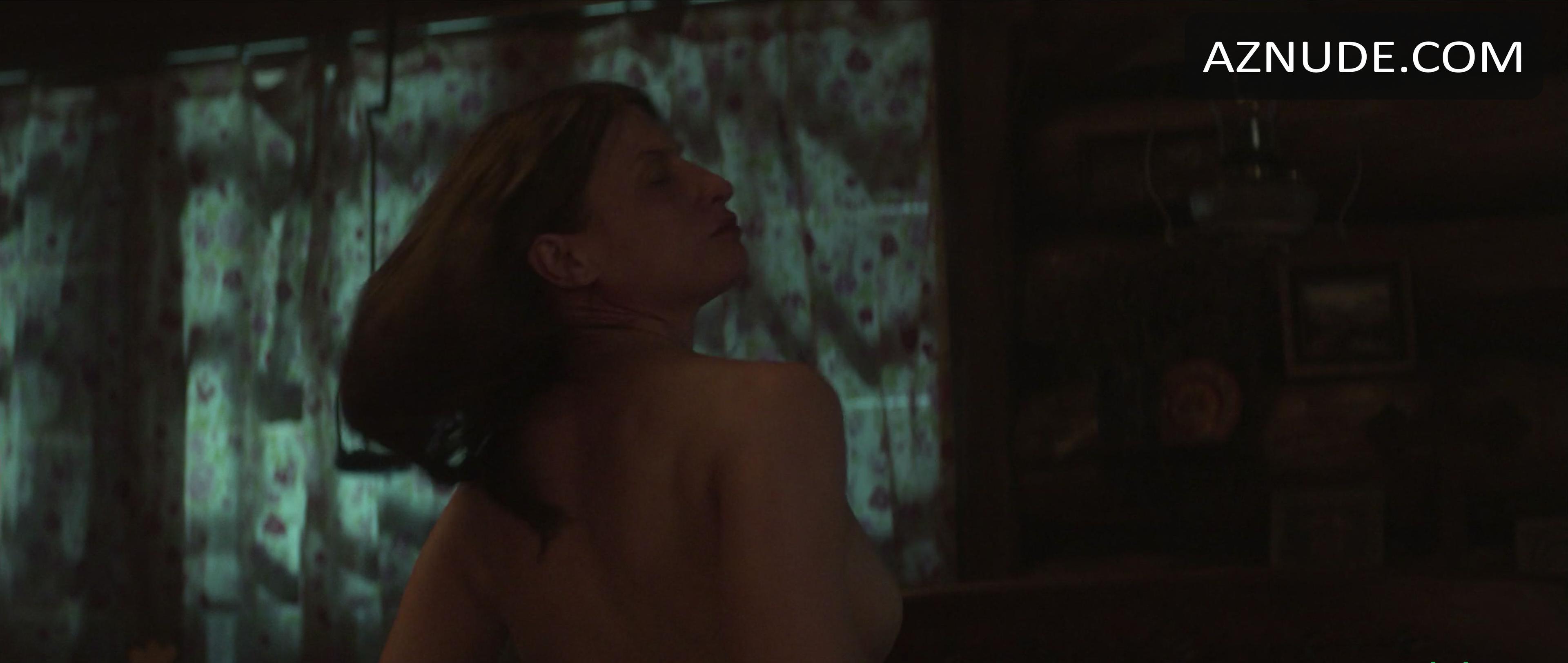 Laura Mae Tate  nackt