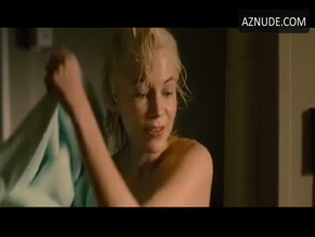 MICHELLE WILLIAMS in MY WEEK WITH MARILYN(2011)