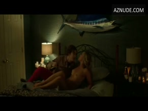 NATALIE HALL NUDE/SEXY SCENE IN +1