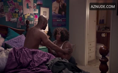 NICOLE BYER NUDE/SEXY SCENE IN LOOSELY EXACTLY NICOLE