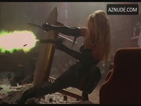 PAMELA ANDERSON in BARB WIRE(1996)