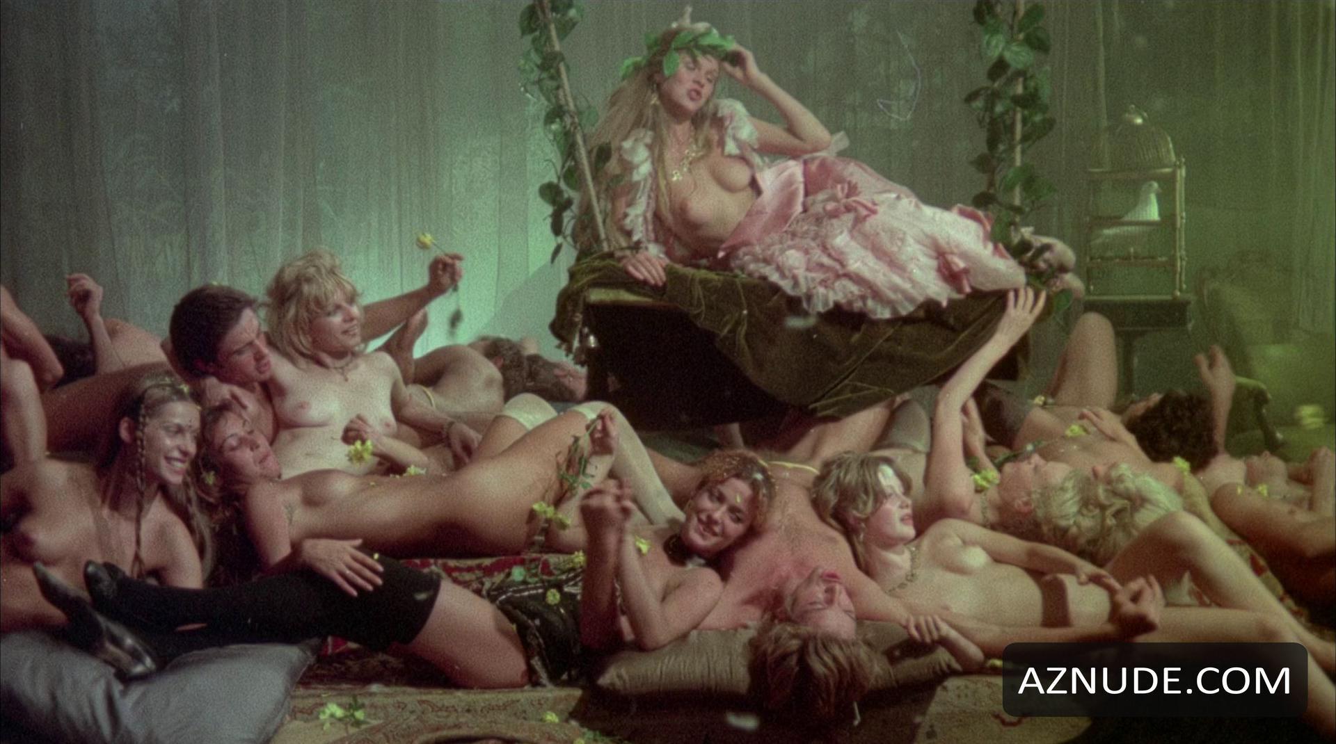 nude amaeture sex scenes