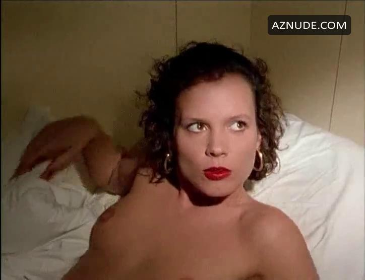 Julia Hentschel  nackt