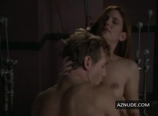 Allison Swartz  nackt