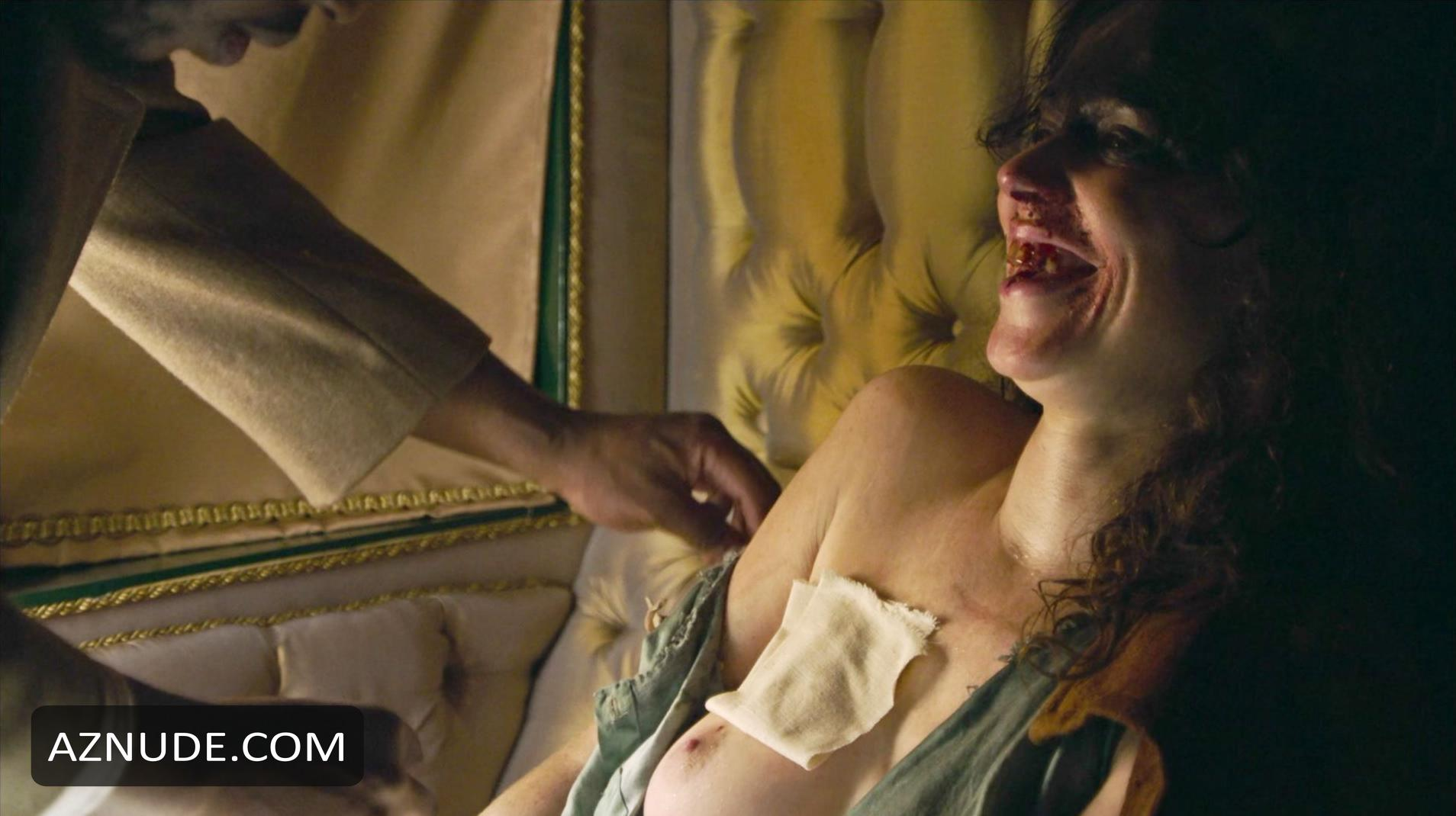 nackt Manson Amy Karen Gillan