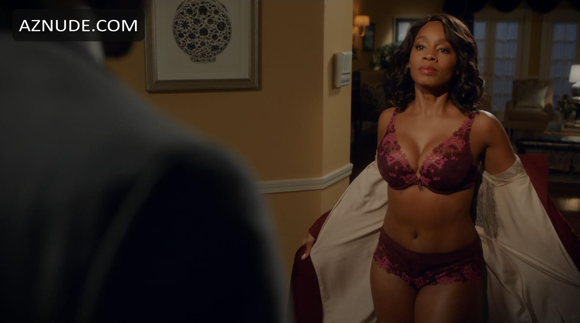 100 Pictures of Anika Noni Rose Nude