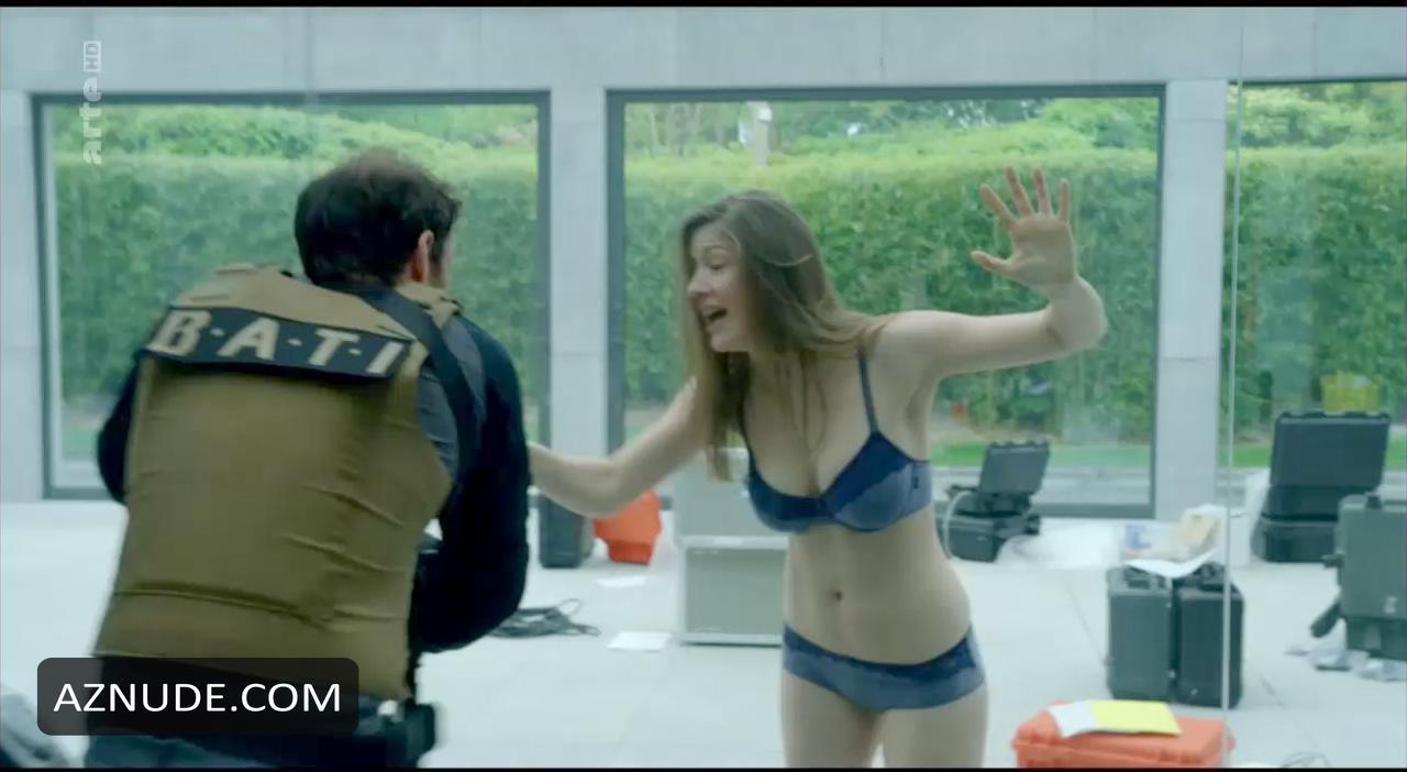 Camille nackt Voglaire Nude Celeb