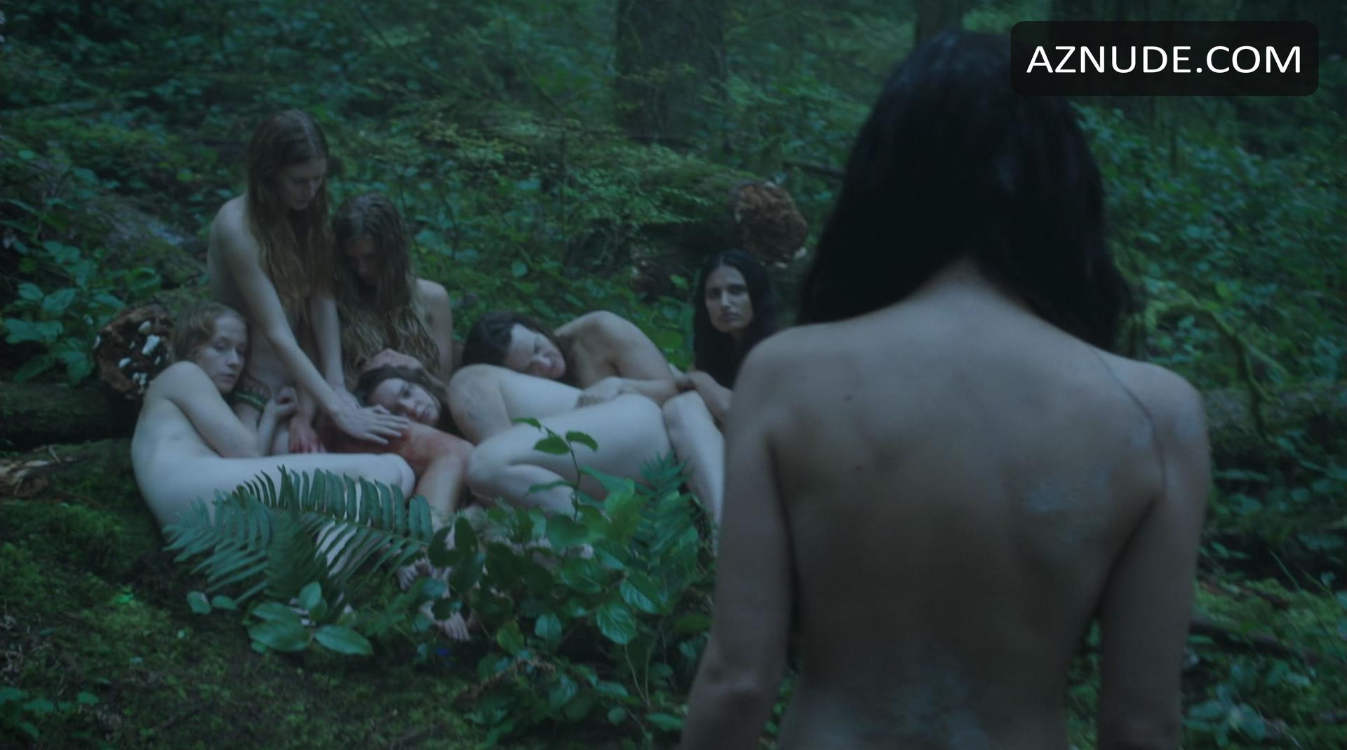 Powell topless eline Eline Powell