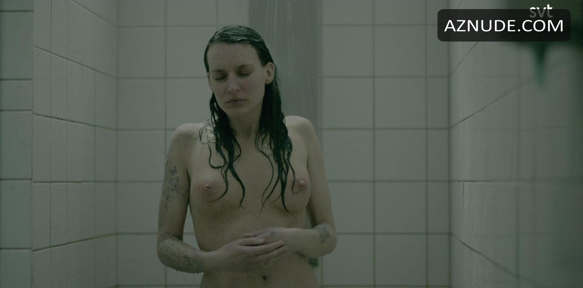 Josefin Asplund  nackt