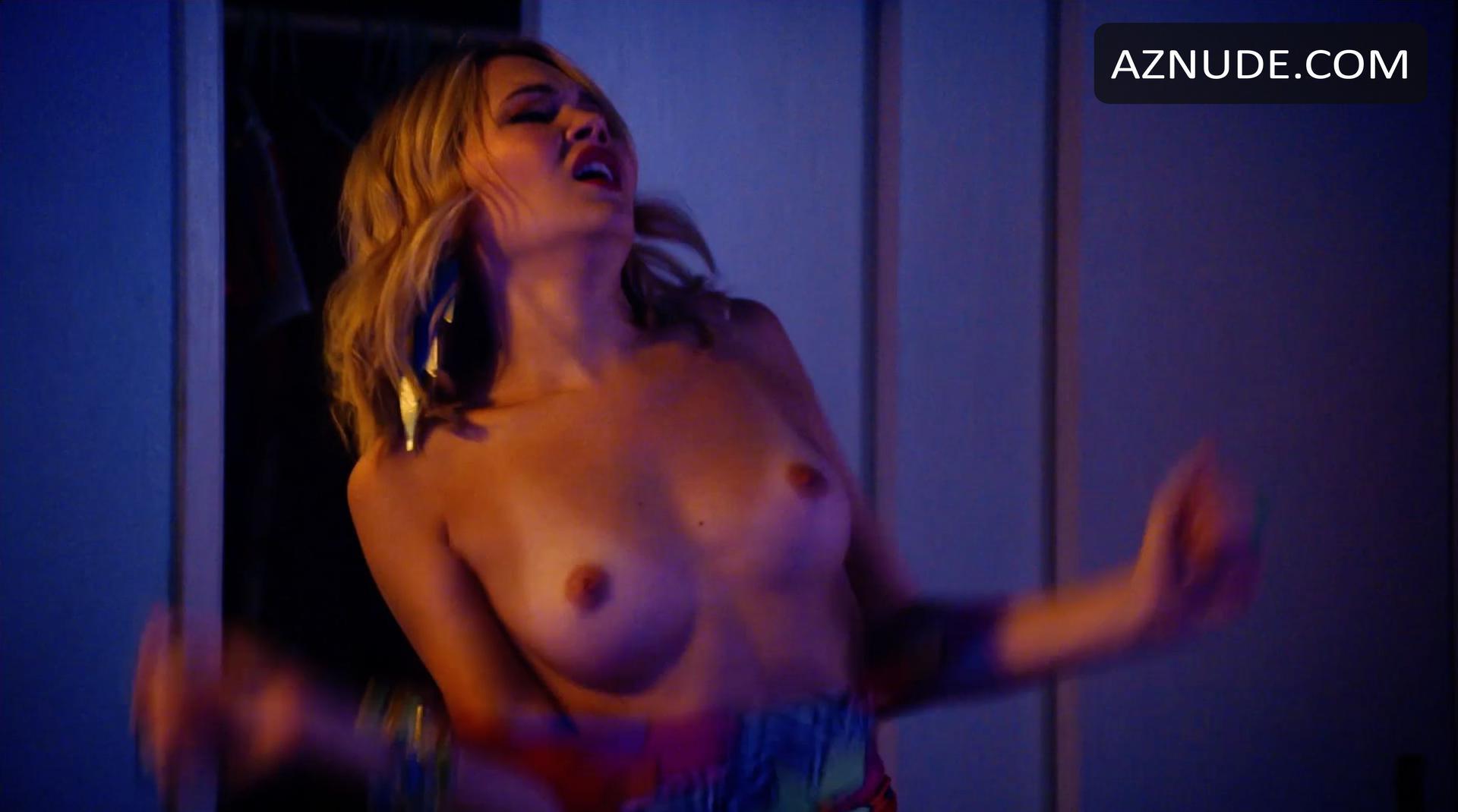 Kelli Berglund Nude