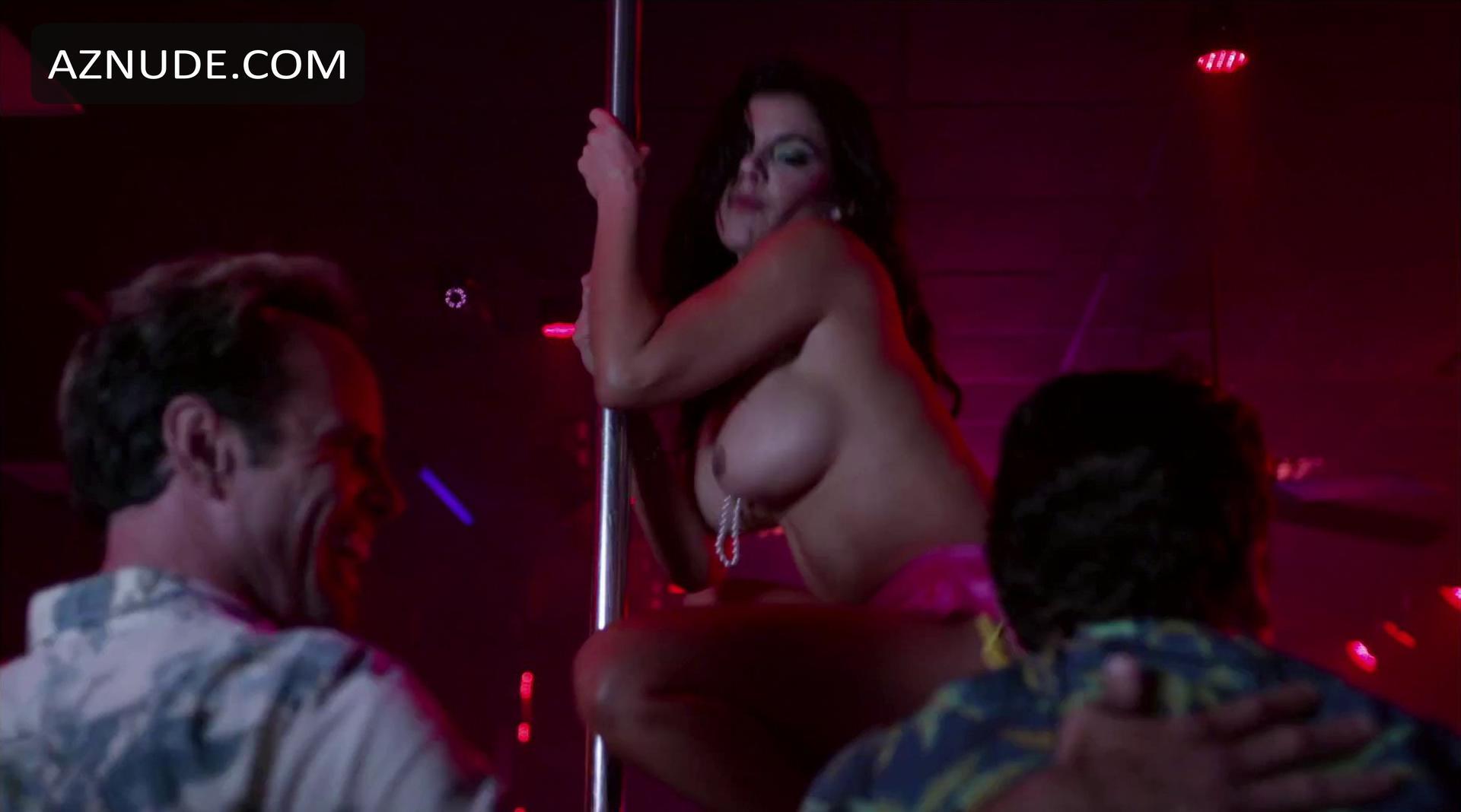 Mariann Gavelo  nackt