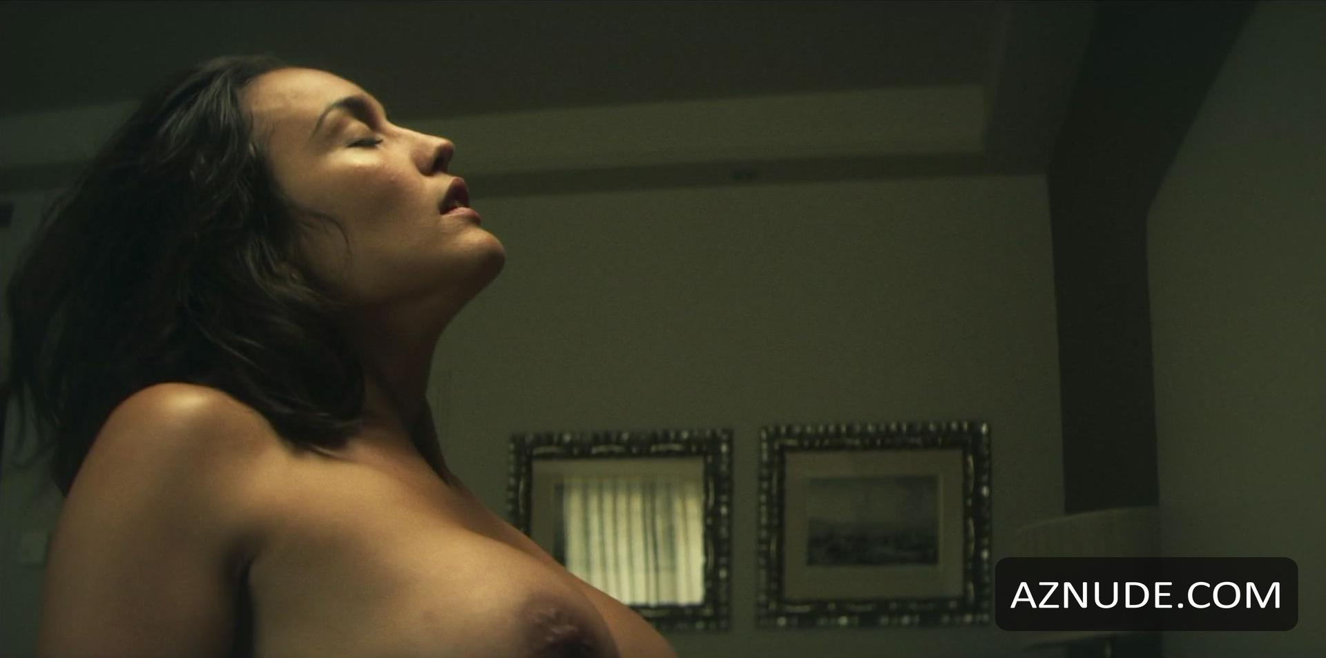 Megan Montaner  nackt