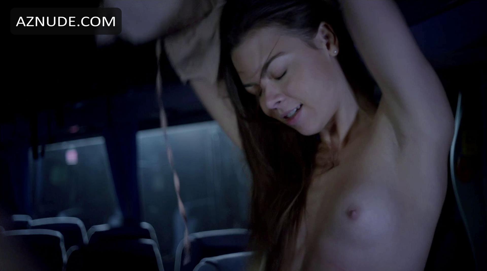 Nackt  Scarlett Byrne Beste Scarlett