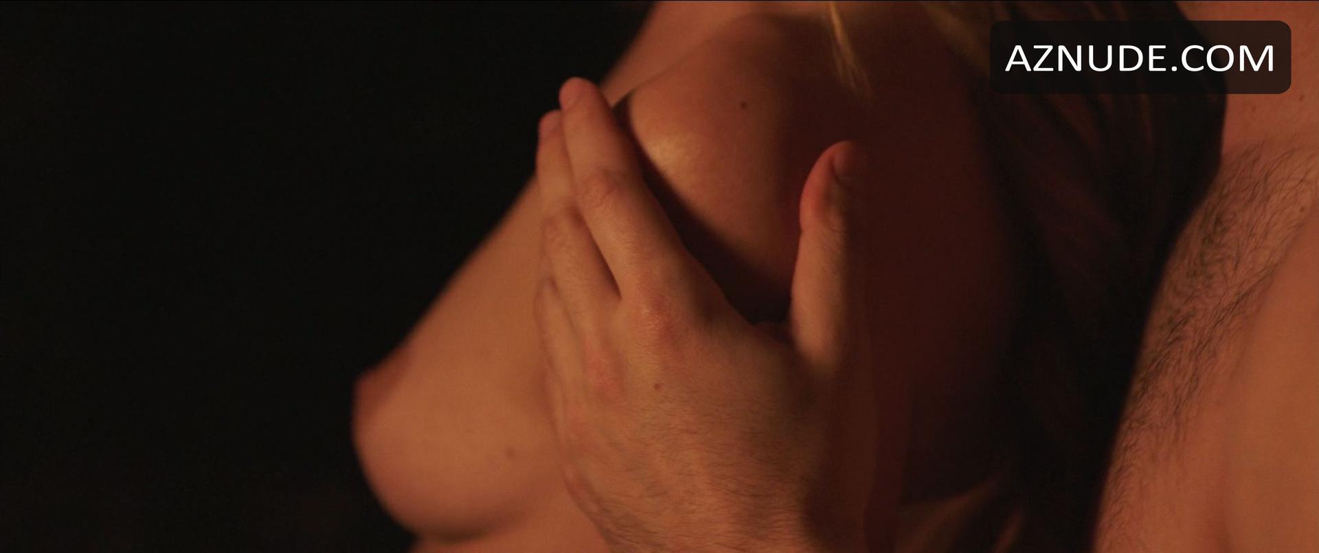 Knees naked women hot on