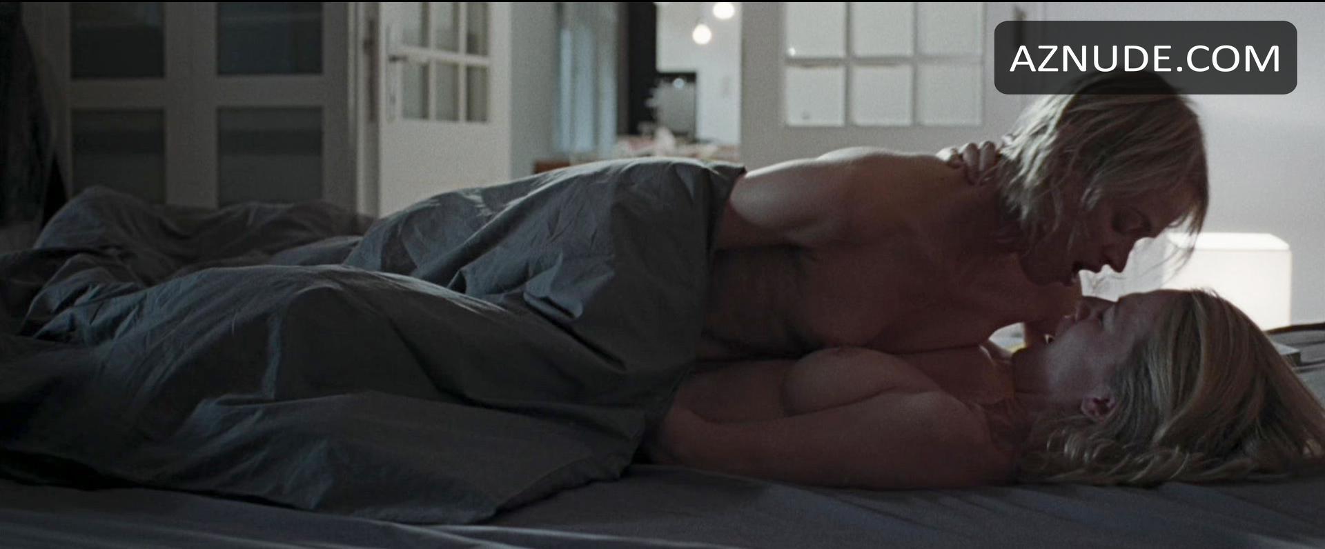 Nackt Valerie Pachner  Liebemacht Trailer