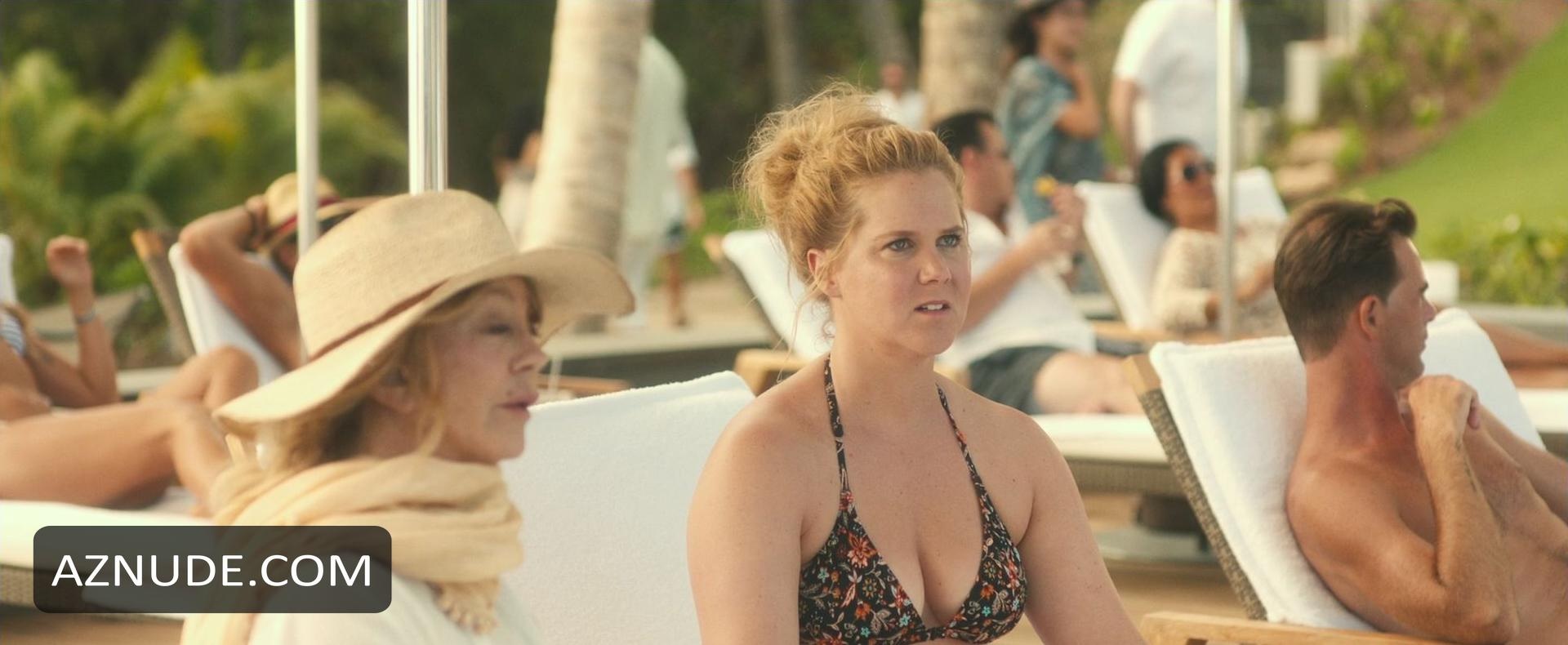 Amy schumer and moani hara in snatched 9