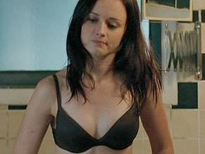 Was Alexis bledel nackt shoulders down