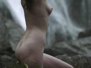 Jennie jacques ass and nipples in desperate romantics series - 2 6