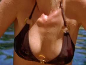 amanda-detmar-nude-sexy-girl-fucked-in-public