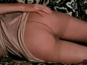 Amy Farrell  nackt