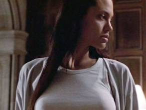 Jolie nude croft as angelina lara
