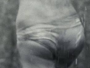 Ashley Bell  nackt