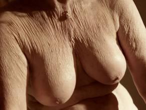 Welch nackt Clare  Raquel Welch: