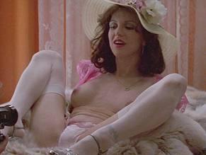 Fotos desnudas de la escena de sexo sin censura de Courtney Love y fotos desnudas filtradas. El Fappening Icloud hack.