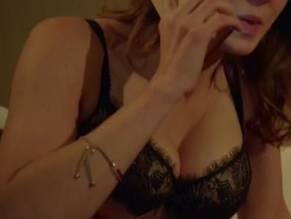 Emily Bevan  nackt