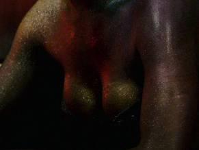 Florence Kasumba Nackt