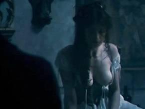 reba mcentire nipples