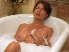 Greta Dolan  nackt