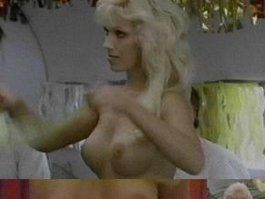 Iris Condon  nackt