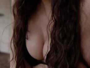Jaclyn Betham  nackt