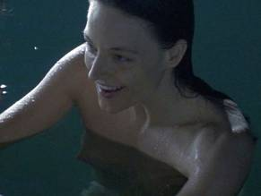 Topless Jodie Foster Naked Images