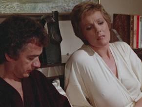 Andrews  nackt Julie Julia Roberts